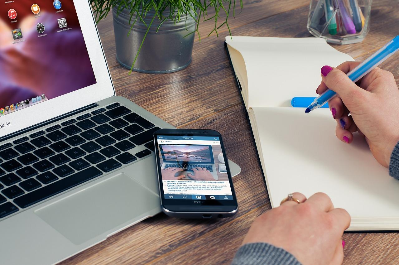 iPhone の画面を PC や Mac に転送できるツール 『LonelyScreen』